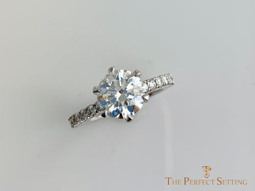 lab grown cultured diamond custom  setting classic