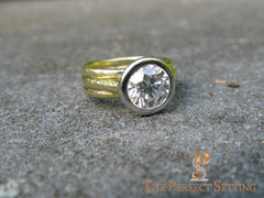Platinum bezel hammered 18K yellow gold right hand ring