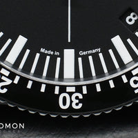 DC82 Black - Central Minutes Chrono