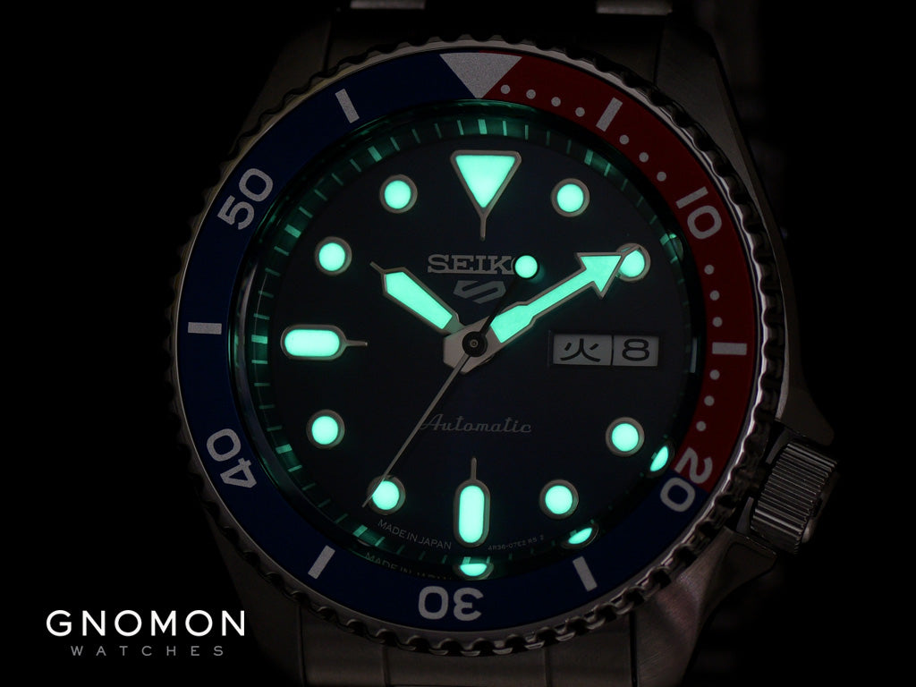 """Seiko 5 Sports """"Sports Style"""" Blue/Red Ref. SBSA003"""