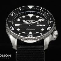 "Seiko 5 Sports ""Sports Style"" Black on Nato Ref. SBSA021"