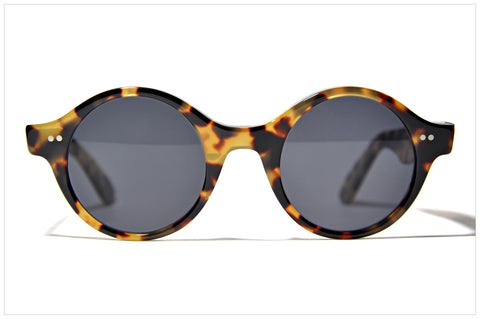 Tortoiseshell in classic blonde • SHOP NOW •