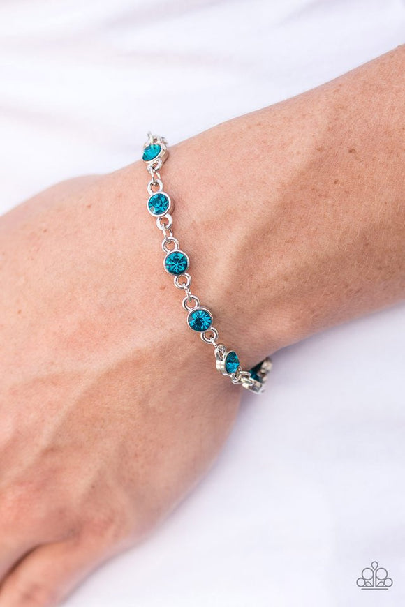 hold-on-to-your-sparkle!-blue-bracelet-paparazzi-accessories