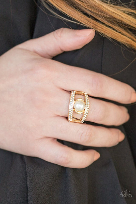 bank-run-gold-ring-paparazzi-accessories