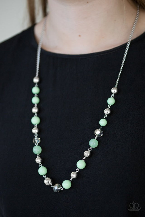 weekend-getaway-green-necklace-paparazzi-accessories