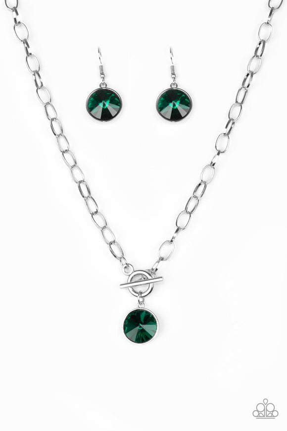 she-sparkles-on-green-necklace-paparazzi-accessories