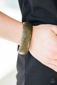 garden-villa-brass-bracelet-paparazzi-accessories