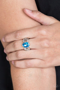 supreme-bling-blue-ring-paparazzi-accessories