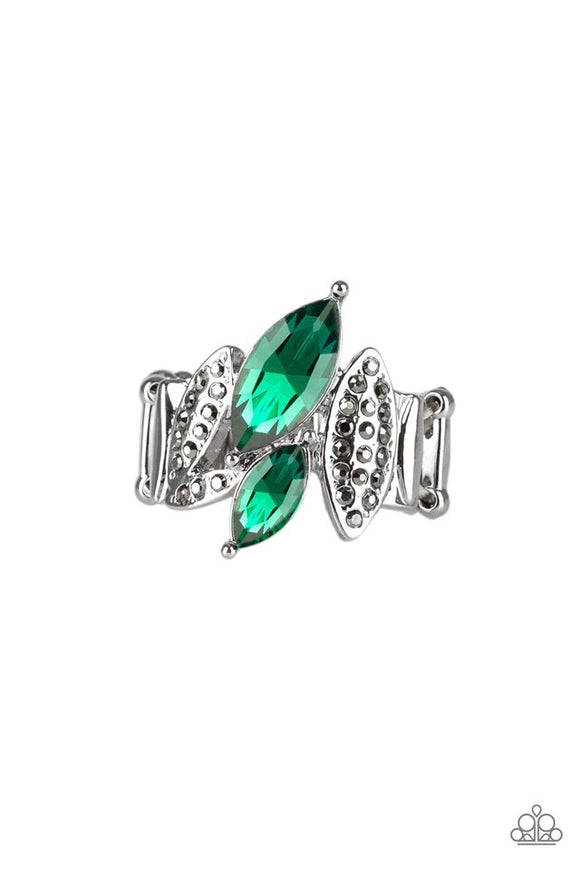stay-sassy-green-ring-paparazzi-accessories