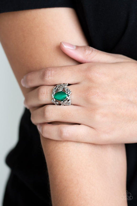 tropical-flora-green-ring-paparazzi-accessories