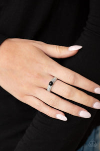 brighten-your-day-black-ring-paparazzi-accessories