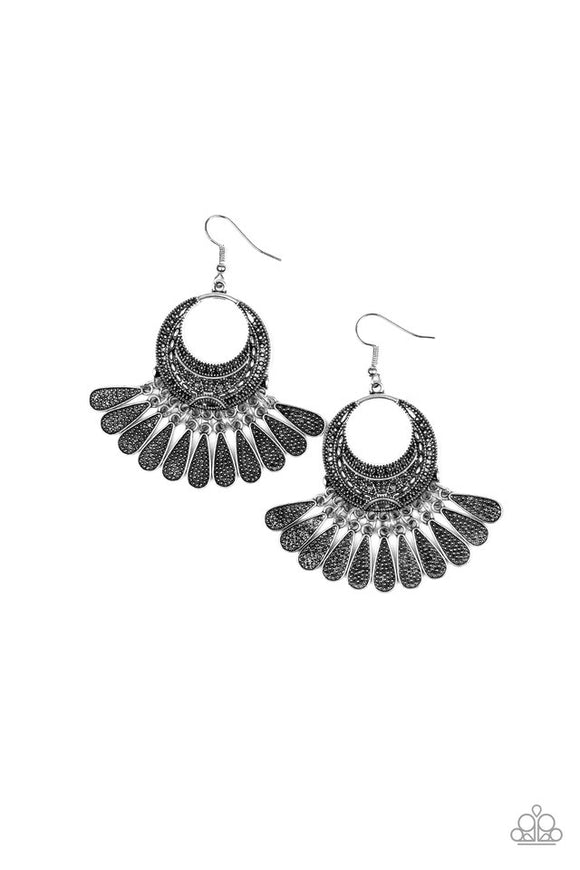 mesa-majesty-silver-earrings-paparazzi-accessories