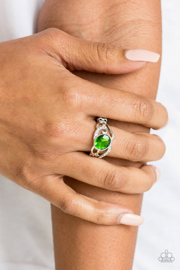 couldnt-care-flawless-green-ring-paparazzi-accessories