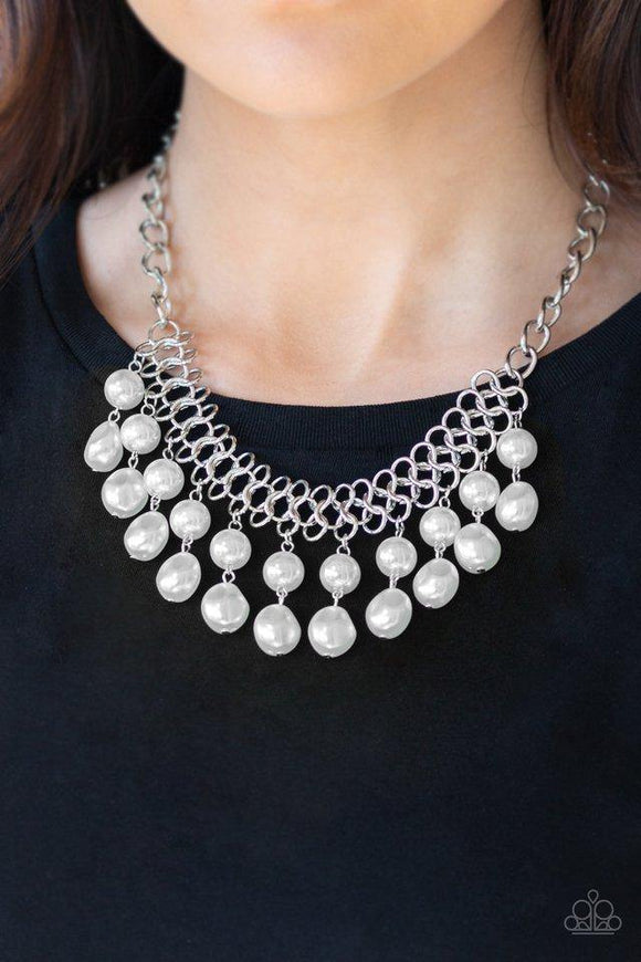 5th-avenue-fleek-white-necklace-paparazzi-accessories
