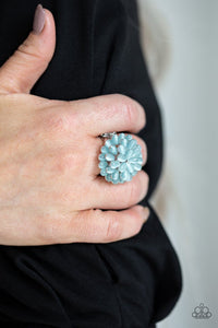 bloomin-bloomer-blue-ring-paparazzi-accessories