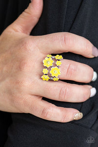 floral-crowns-yellow-ring-paparazzi-accessories