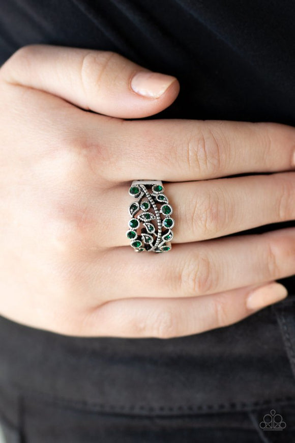 bling-swing-green-ring-paparazzi-accessories