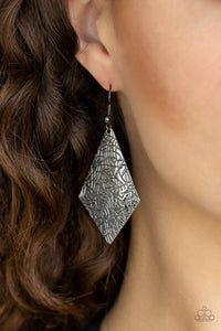 texture-retreat-black-earrings-paparazzi-accessories