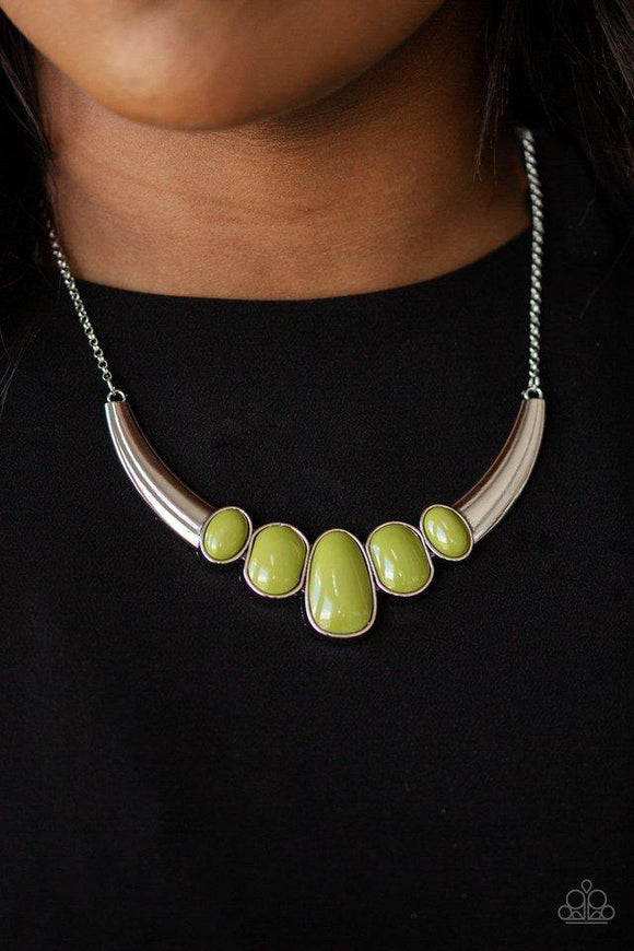 a-bull-house-green-necklace-paparazzi-accessories