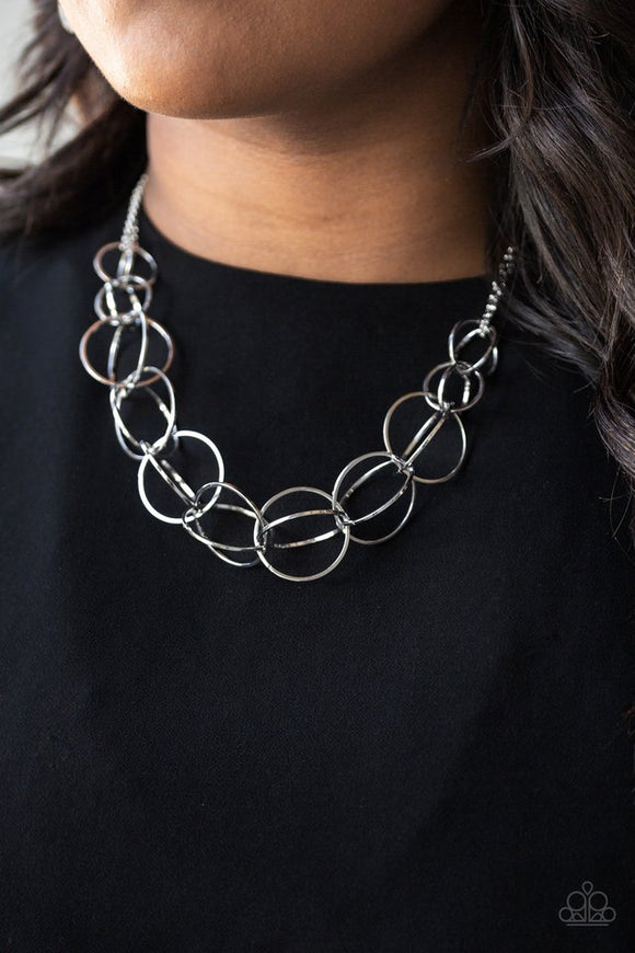 space-walk-silver-necklace-paparazzi-accessories