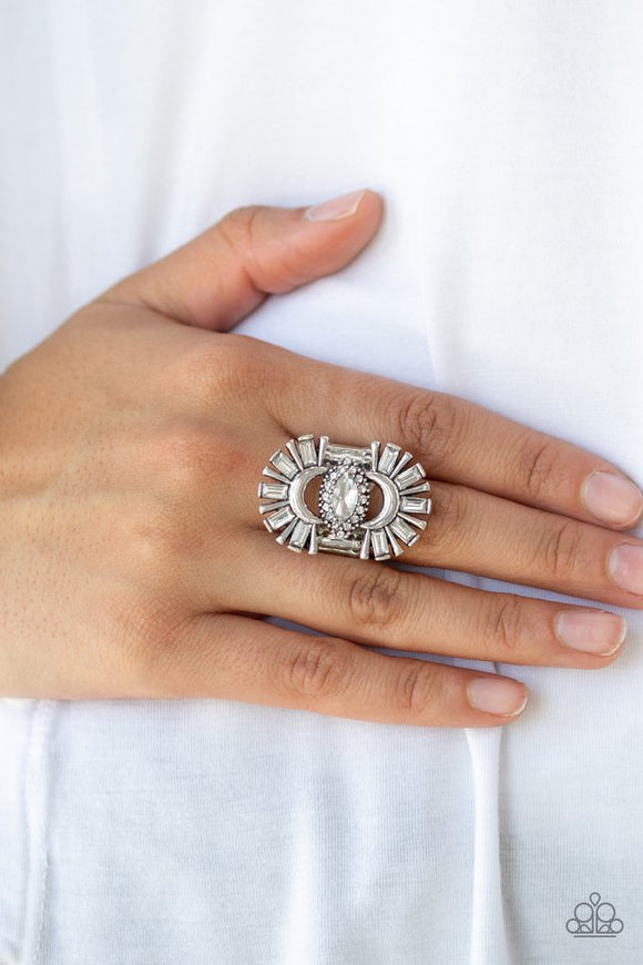 deco-diva-white-ring-paparazzi-accessories