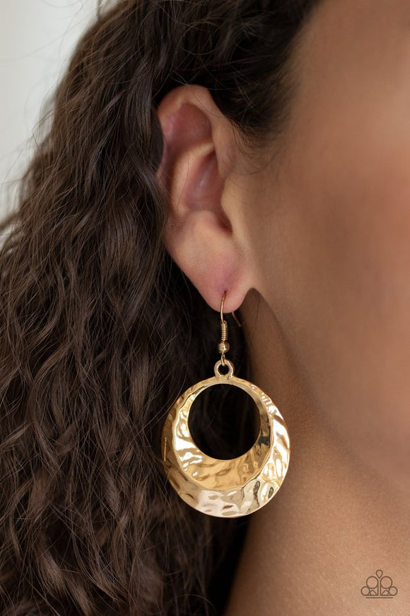 savory-shimmer-gold-earrings-paparazzi-accessories