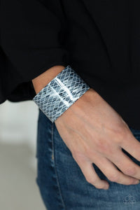 vogue-revamp-silver-bracelet-paparazzi-accessories