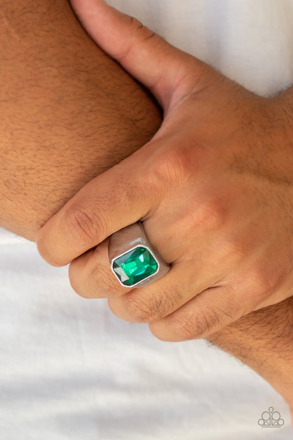 scholar-green-ring-paparazzi-accessories