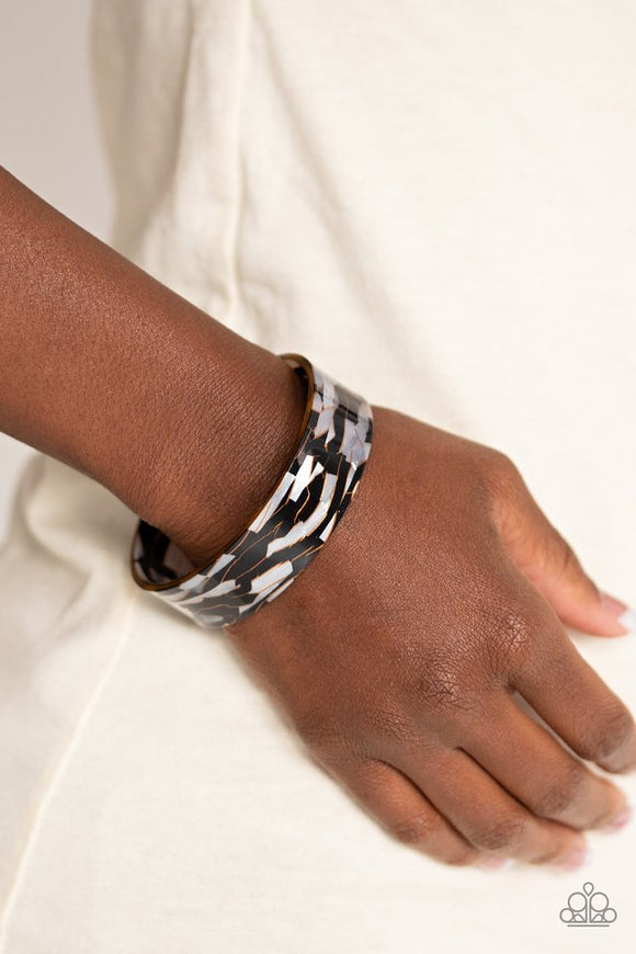 glaze-daze-black-bracelet-paparazzi-accessories