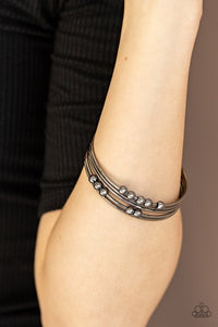 stack-challenge-black-bracelet-paparazzi-accessories
