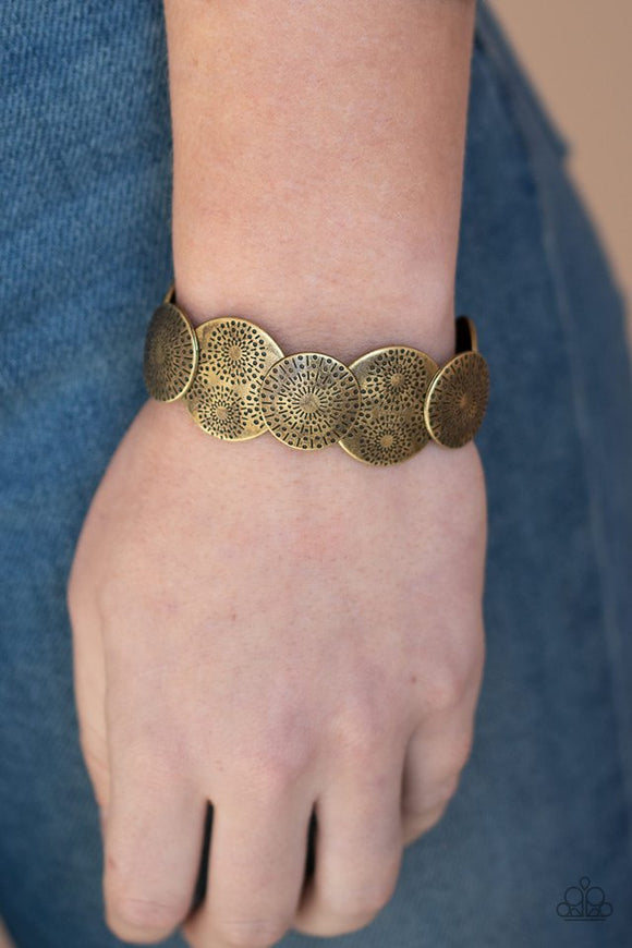 pleasantly-posy-brass-bracelet-paparazzi-accessories