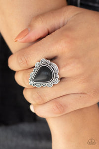 desert-escape-black-ring-paparazzi-accessories