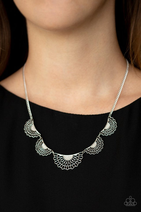 fanned-out-fashion-silver-necklace-paparazzi-accessories