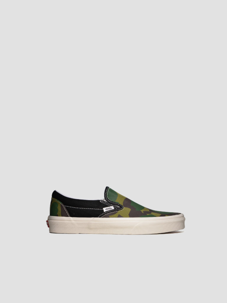 Classic Slip On Mismatch Sneakers