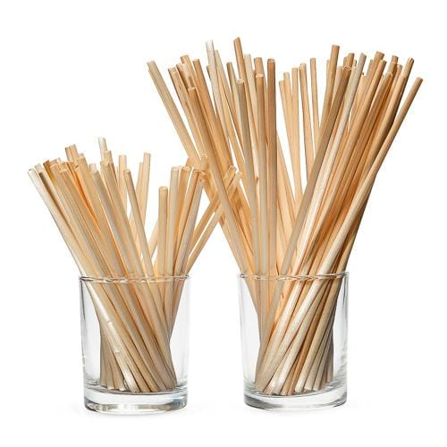 short wheat straws in 2 glasses