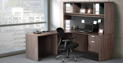Corner Workstation With 3/4 Pedestal
