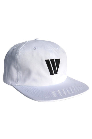 W LOGO 6 PANEL WHITE HAT FORMLESS