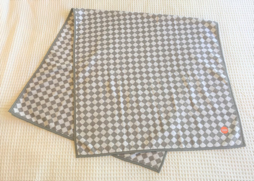 Bath Towel | Grey Checkerboard