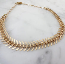 Load image into Gallery viewer, Fishbone Choker Necklace