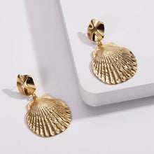 Load image into Gallery viewer, Concha Earrings