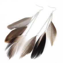 Load image into Gallery viewer, Noya Feather Earrings