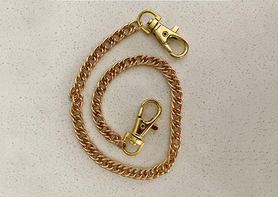 Mask strap with gold plaited chain