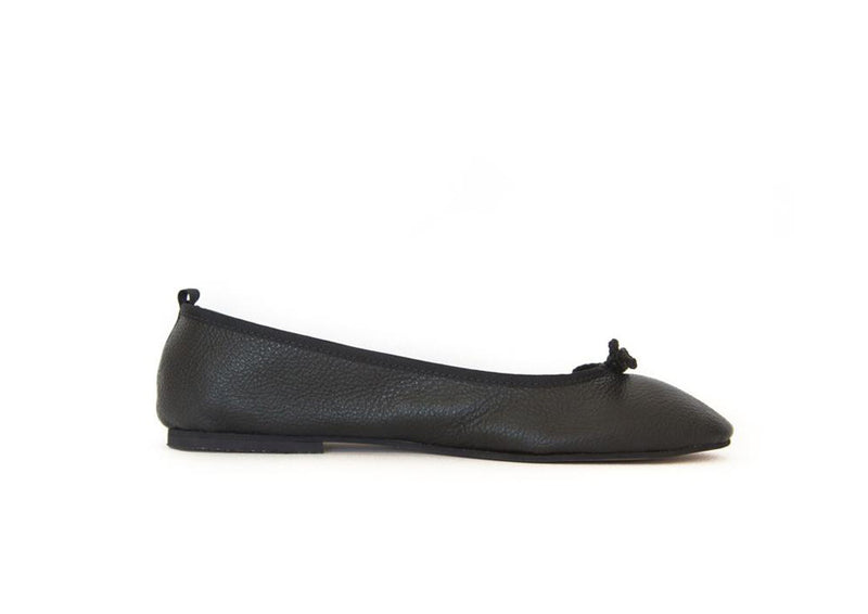 Alexia - Pointed Loafer