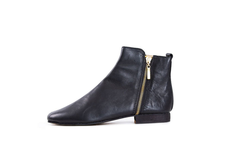 Suna Black Leather - Classic Cut