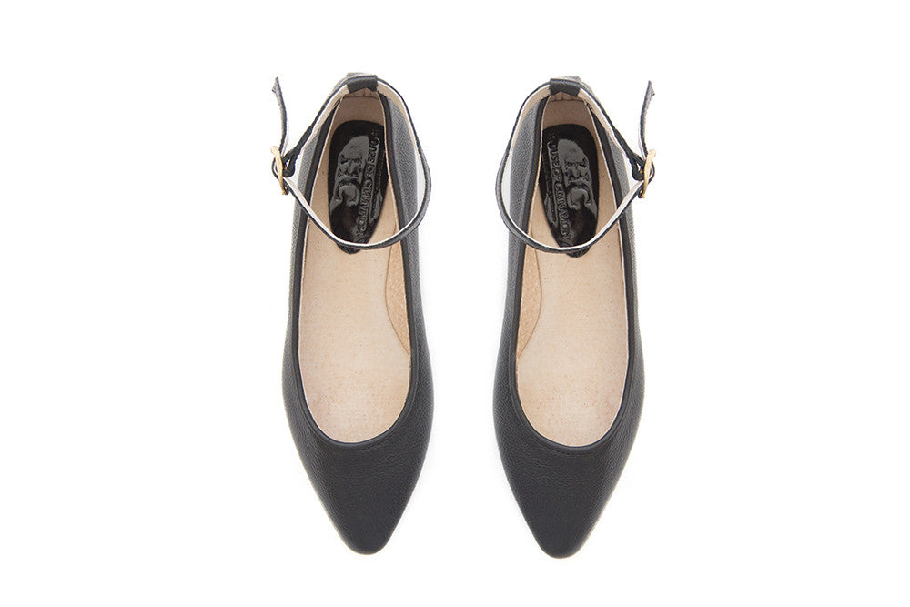 Melissa - Pointed Flat