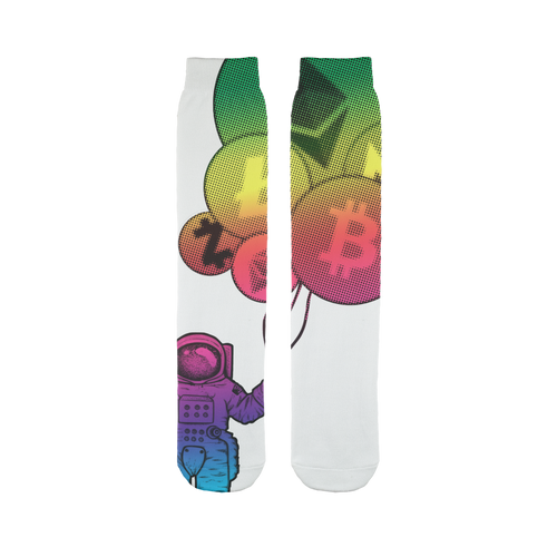 👕 Astronaut hält Krypto Ballone Sublimation Tube Sock - Best Bitcoin Shirt Shop für Deutschland, Österreich, Schweiz. Top Qualität, 3-5 Tage geliefert und Krypto, Paypal Zahlung