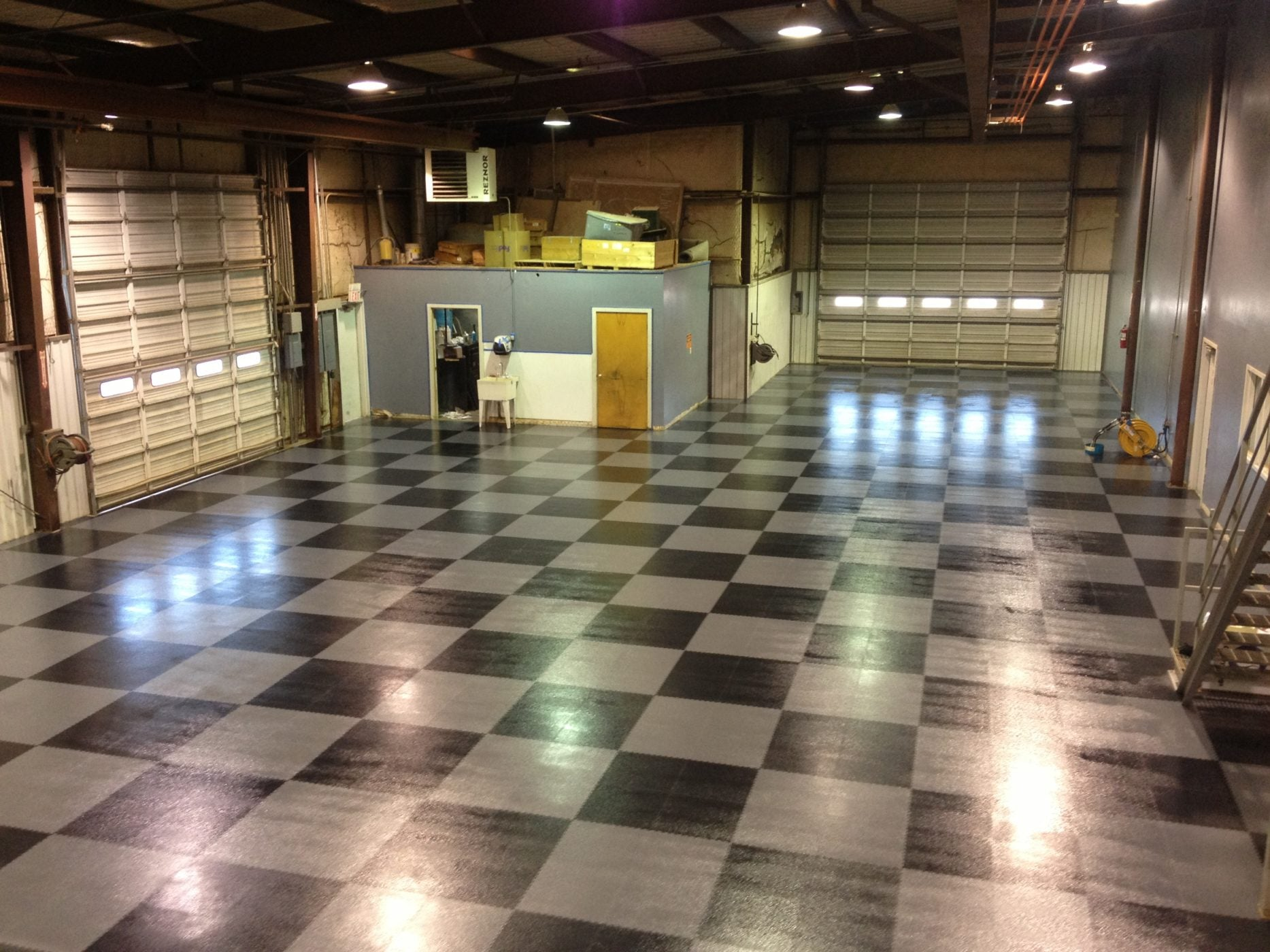 Supra Slate Interlock 5.5 - FITFLOORS...Rubber Floors & more