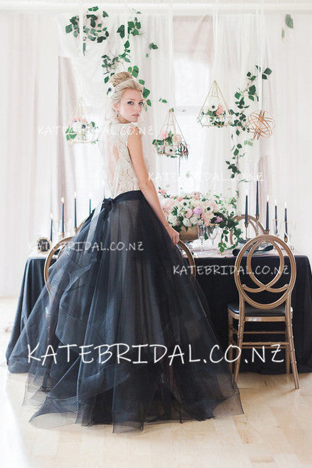 Lace Bodice Black Organza Round Neck Floor-Length Bridal Dress