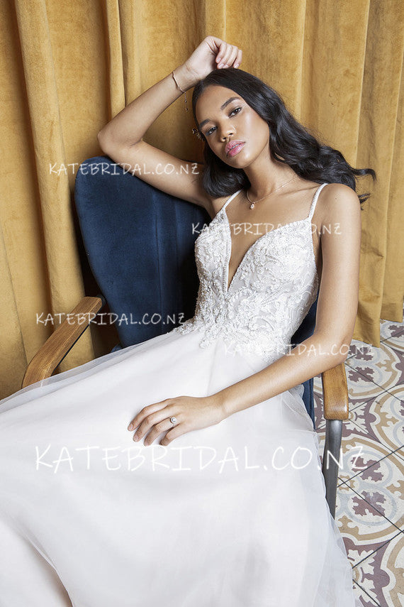 Lace Bodice Tulle Spaghetti Strap Floor-Length Bridal Dress