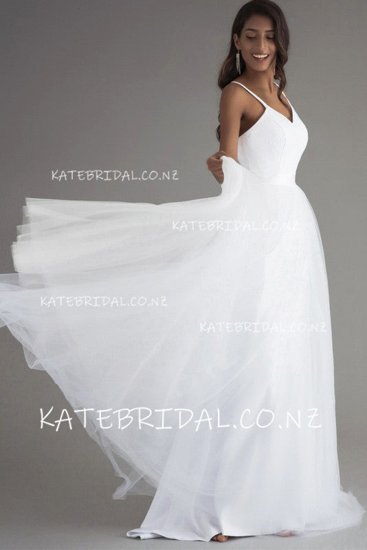 Elegant A-Line Spaghetti Straps Tulle Wedding Dress With Sweep Train